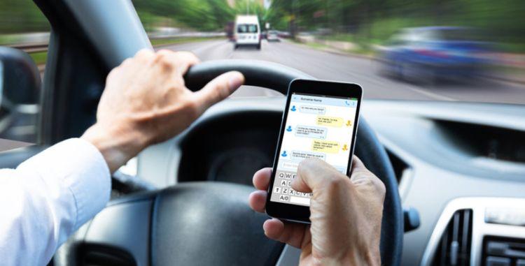 Como diminuir a distração durante a condução - Frotcom