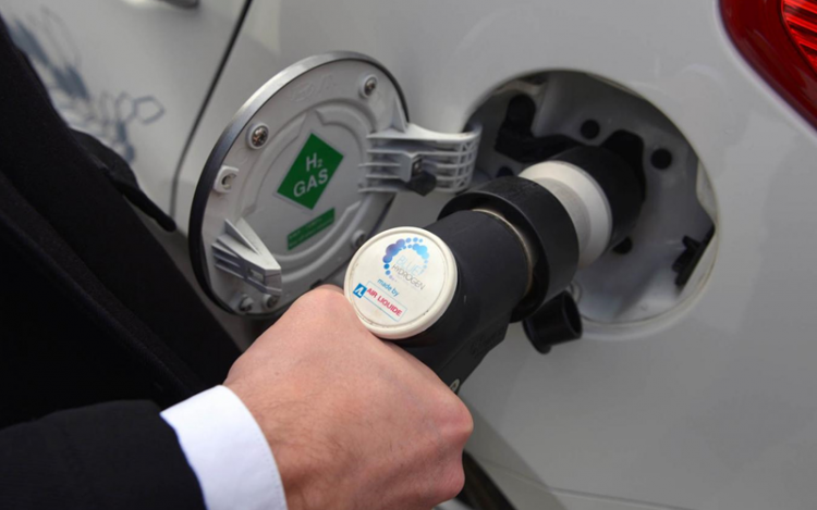 Hydrogen car breaks world record for longest continuous journey