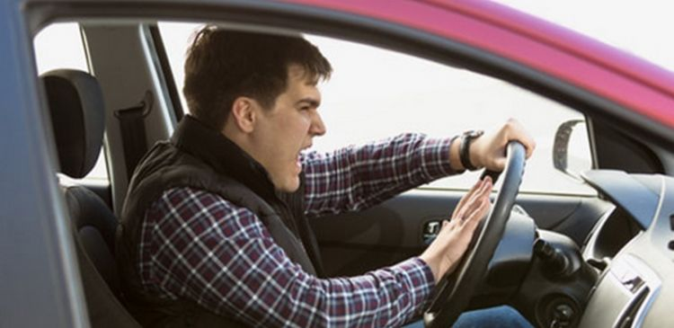 Top techniques for dealing with aggressive drivers