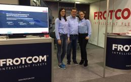 From left to right: Eva Popova, Dragan Kostovski and Maja Domazetovska from Frotcom Macedonia.